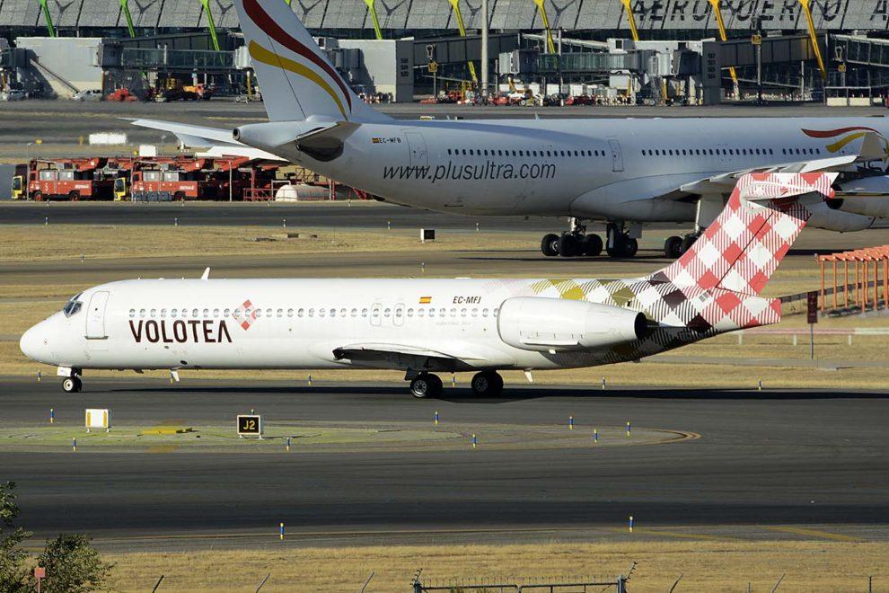 Boeing 717 de Volotea en el aeropuerto de Madrid Barajas.q