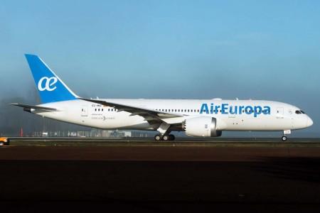 El Boeing 787 de Air Europa en Portland listo para despegar de regreso a Charleston tras ser pintado (Foto Russell Hill).