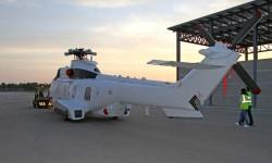 El EC225 de Botswana, con el rotor principal y otros componentes desmontados listo para ser cargado en el An-124.