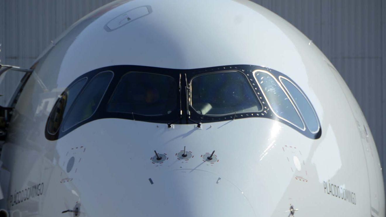 El antifaz negro ayuda a distinguir los A350 de los A330 de iberia.