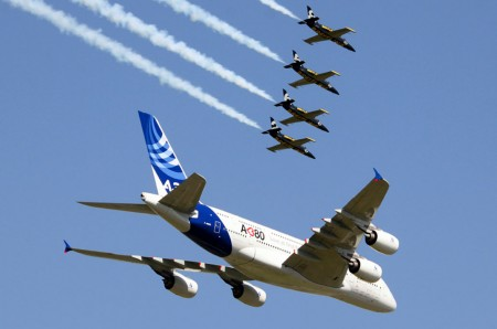 Breitling Jet Team y Airbus A380.