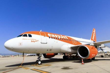 El avión que trasladó al pasajero 20 millones de Easyjet en Palma de Mallorca.