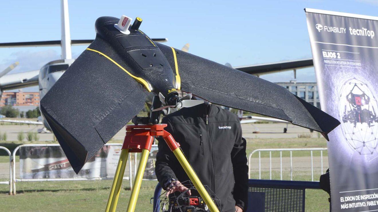El Ebee X es un diseño clásico con alas de poliespan y cámara ventral.