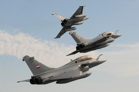En la primera mitad de 2016 Dassault ha entregado siete Rafale, entre ellos los tres primeros a Egipto, mientras ha seguido negociando la venta a India del modelo.