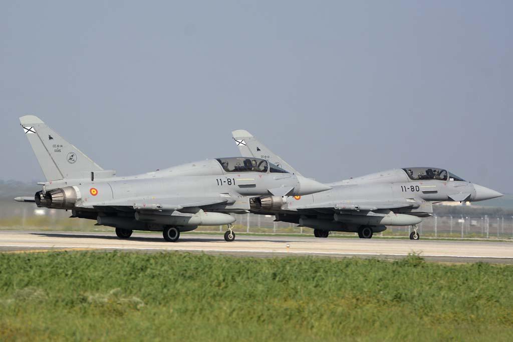 Los nuevos pilotos destinados al Eurofighter se forman primer en el 113 Escuadrón con los ejemplares biplaza.
