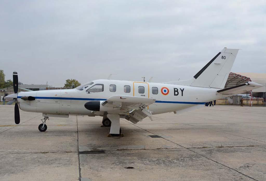 Este TBM 700 estaba en el CLAEX en apoyo del Mirage 2000N.