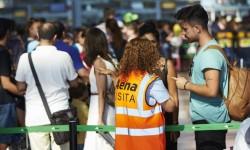 Se calcula que más de 1.000 pasajeros han perdido su vuelo en Barcelona por las colas en los filtros de seguridad