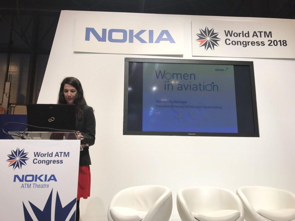 Ana Gómez Pineda durante la presentación de Ellas Vuelan Alto durante el World ATM Congress.
