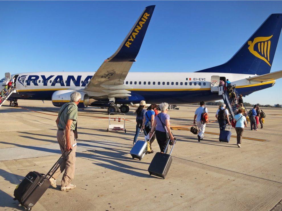 Embarque de pasajeros de un vuelo de Ryanair.