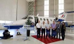Entrega en la factoría de Embraer del primer Phenom 100 para la formación de pilotos militares británicos.