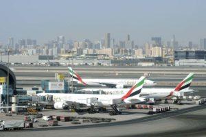 Aviones Boeing 777-300ER de Emirates en el aeropuerto de Dubai.