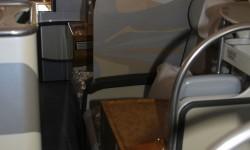 En los asientos centrales de ejecutiva se dispone de una pantalla movil para incrementar la privacidad.