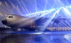 El primer A400M del Ejército del Aire en la ceremonia oficial de entrega en Sevilla.