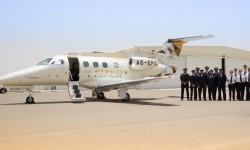 El primer Embraer Phenom 100E de la escuela de pilotos de Etihad ya está en las instalaciones de esa en el aeropuerto de Al Ain.