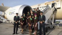 La aerolínea Etihad anuncia más despidos por la lenta recuperación de la crisis del COVID-19.