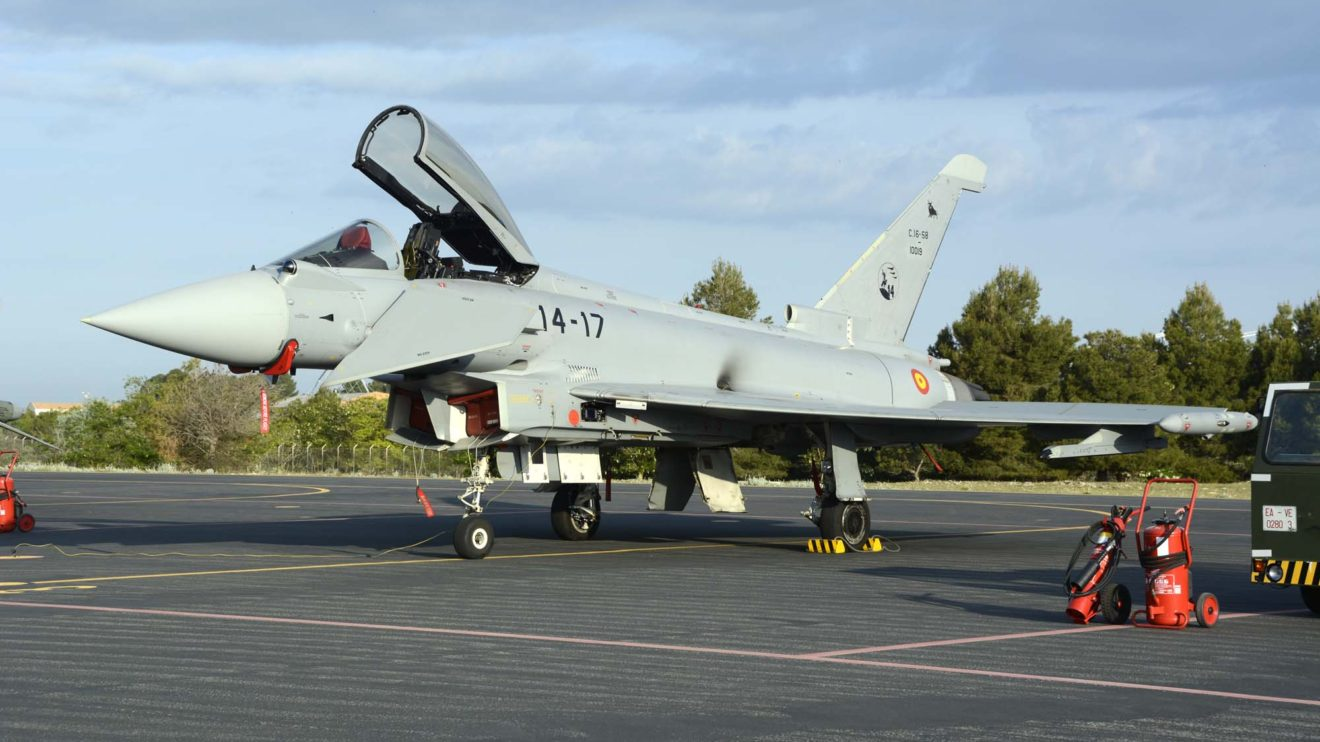 El Ala 14 comenzó a sustituir los Mirage F.1 por el Eurofighter en 2012. El C16-58/10019/14-17 fue entregado en enero de 2017.