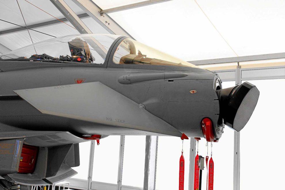 Radar CAPTOR-E instalado en un Eurofighter para las pruebas de desarrollo.