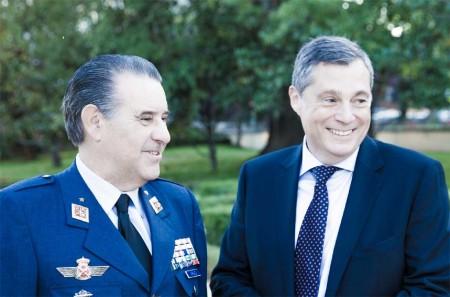 El Jema y el consejero delegado de Europavia durante la fiesta de celebración del 50 aniversario de Europavia