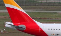El quinto A330 de Iberia es el primer avión de la aerolínea en lucir los nuevos colores.
