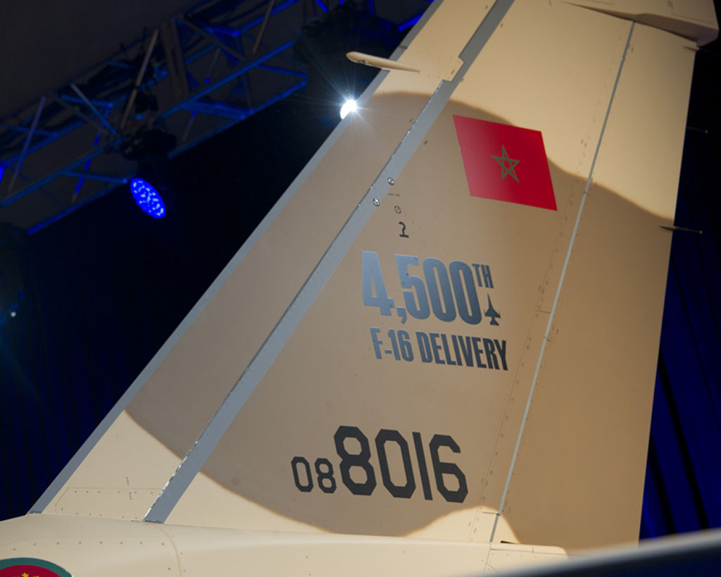 F-16 número 4500