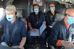 Pilotos e ingenieros de pruebas de Boeing y la FAA en uno de los vuelos con el B-737MAX.