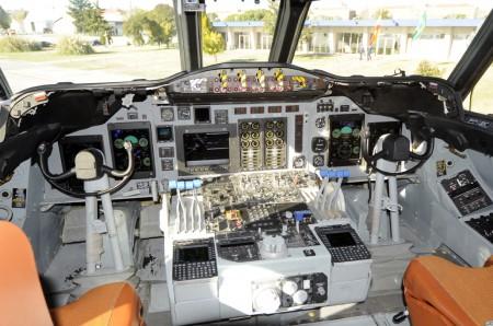 Cabina de los piltos del Lockheed P.3AM