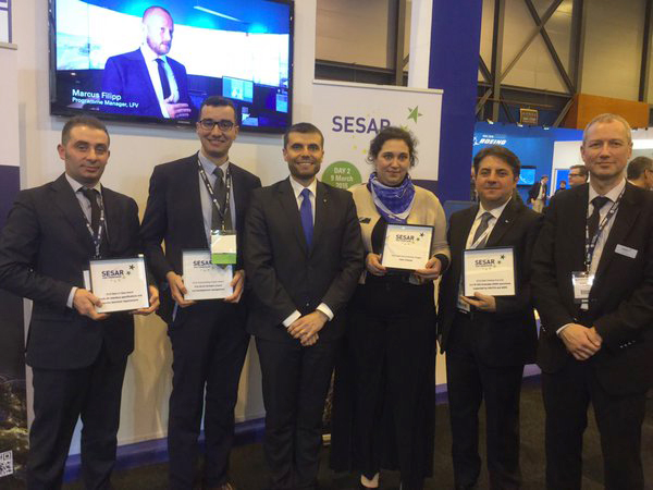 Entrega del premio al equipo Fair Stream en el World ATM Congress.