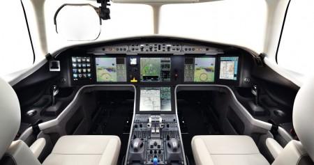 Cabina de mandos del Falcon 5X