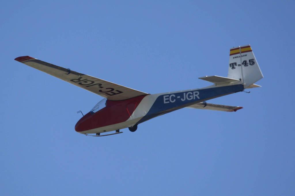 Velero Swallow T-45 concoidos como los Pepsicolos por su decoración en España
