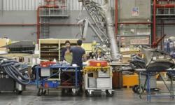 En el Hangar 6 trabajan en dos turnos para cumplir con los objetivos de la compañía de transformar la totalidad de la flota de A340-600