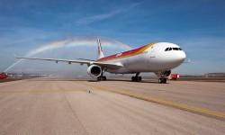 PRIMER A330-300 DE IBERIA.En marzo, y cumpliendo con la programación prevista, Iberia recibe el primer A330, de un pedido de ocho unidades en firme que servirán para sustituir a los veteranos A340-300.