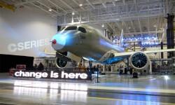 ROLLOUT DEL BOMBARDIER CSERIES. El programa del fabricante canadiense Bombardier hace su debút oficial. El nuevo CSeries ha sido diseñado para competir directamente en el mercado que hasta ahora ha sido feudo de Airbus y Boeing, el de aviones de más de 100 plazas.