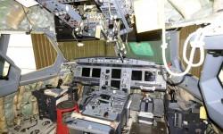 Detalle de la cabina del Julio Romero durante las labores de mantenimiento e instalación de los nuevos interiores