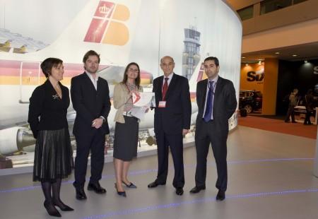 Entrega de premios en el stand de Iberia en Fitur 2011