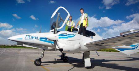 FTE Jerez forma pilotos para distintas aerolíneas desde ab initio.