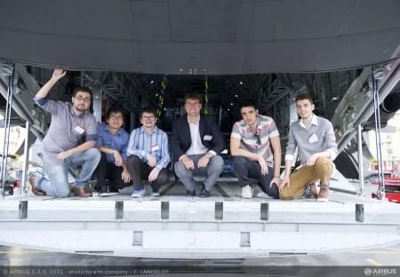 El equipo brasileño de la Universidad de Sao Paulo, Levar, gana la competición Fly Your Ideas 2013