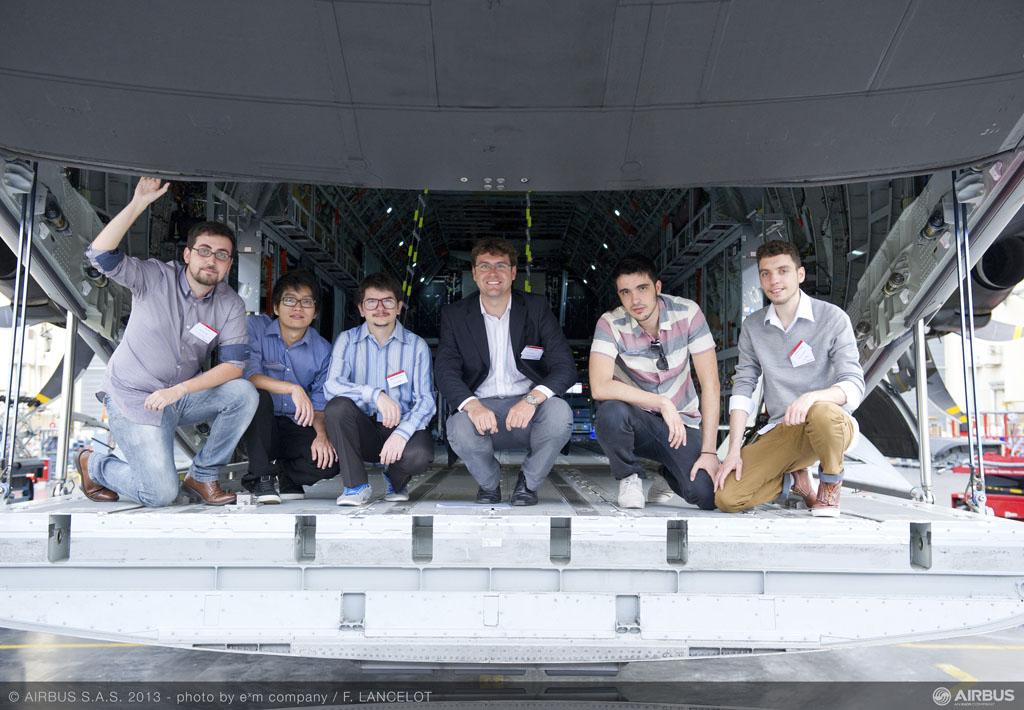 El equipo brasileño de la Universidad de Sao Paulo, Team Levar, ganó la última edición del concurso Fly Your Ideas