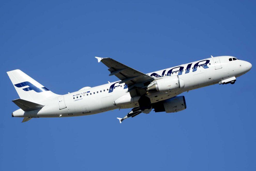 Airbus A320 de Finnair despegando del aeropuerrto Adolfo Suarez Madrid Barajas.