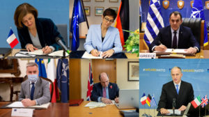 """Firma """"on line"""" del acuerdo entre los cinco países y la OTAN para el desarrollo del nuevo helicóptero medio."""