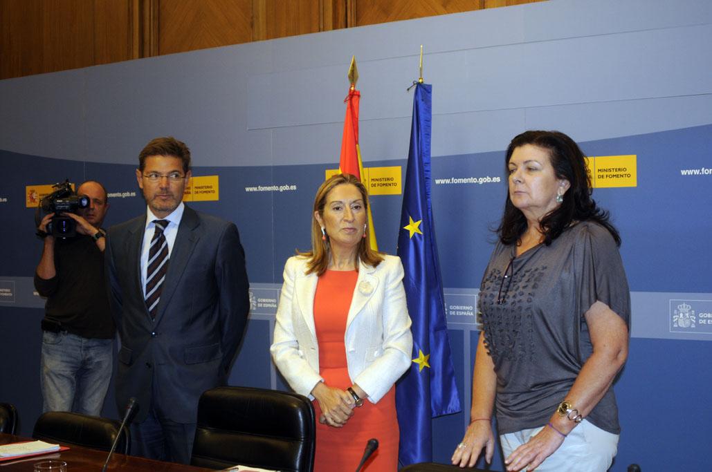 Ana Pastor con Rafel Catalá y Carmen Libreo