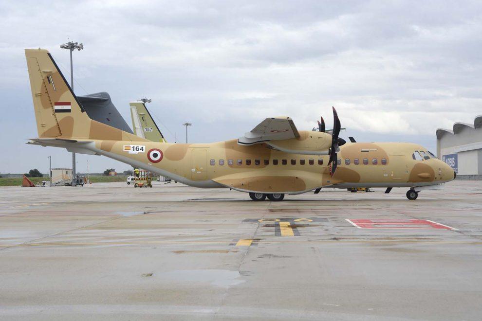 El último de los Airbus C295 entregado a la Fuerza Aérea de Egipto en las instlaciones de Airbus en Sevilla.