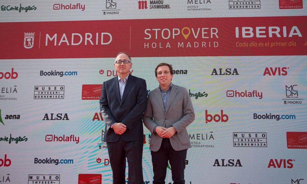 El presidente de Iberia y el alcalde de Madrid en la presentación de Stopover Hola Madrid.