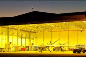 Dos MQ-9 del Ala 23 en su hangar en la base aérea de Talavera.