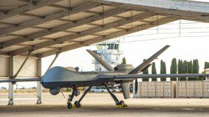 El segundo de los MQ-9A del Ejército del Aire en uno de los refugios construidos en la base de Talavera.