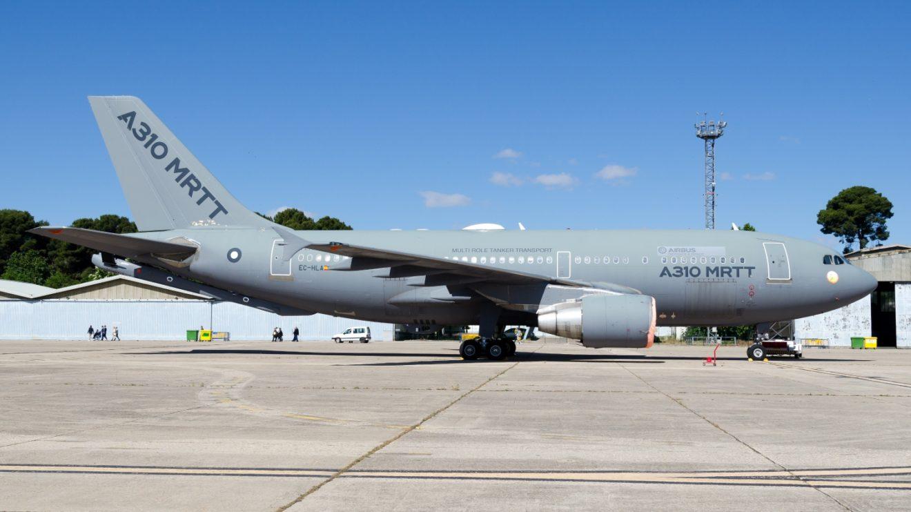Airbus presentó el A310MRTT, avión usado para el desarrollo de la pértiga de repostaje en vuelo y sistemas del A330MRTT. Este avión fue antes de la aerolínea española Air Plus Comet. (Foto D. Ruiz de Vargas)