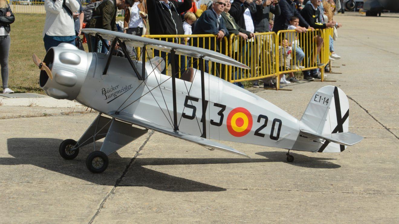 La patrulla de aeromodelismo del Ejército del Aire no faltó a la cita de Getafe
