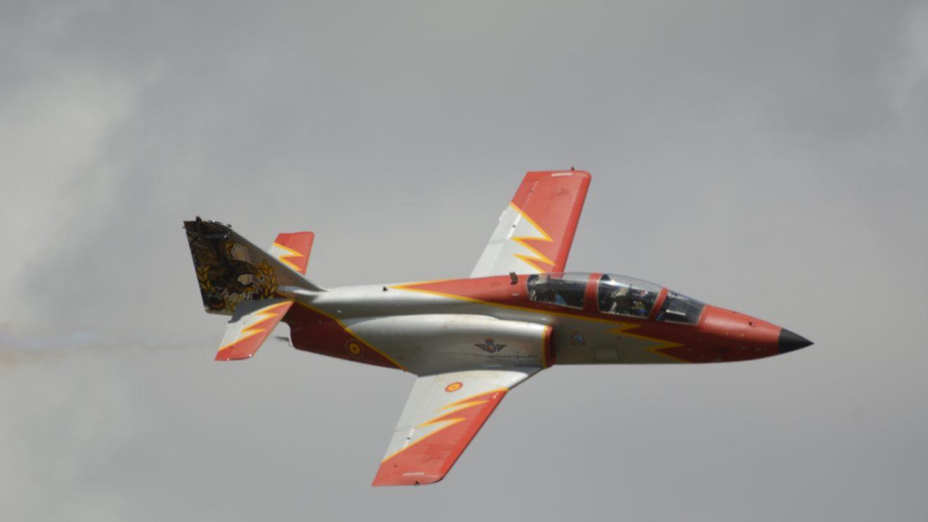 Para celebrar los 25 años de la patrulla se decoró especialmente la cola del C-101 E.25-87/79-29.