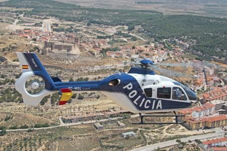 Segundo de los tres nuevos Airbus Helicopters EC135/H135 recibidos por la Policía Nacional desde diciembre de 2014.