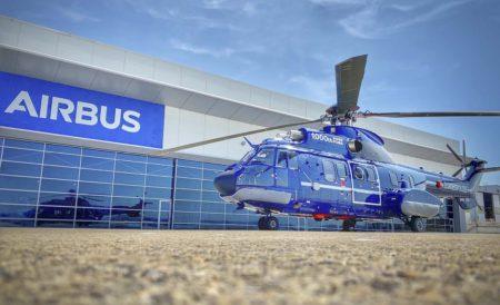 El Super Puma puede transportar hasta 22 pasajeros o hasta seis camillas para evacuaciones médicas.