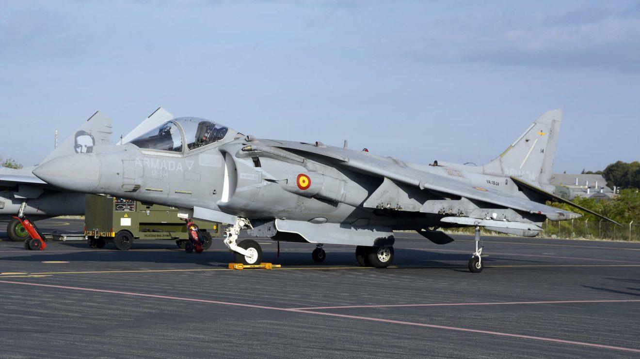 La Armada española participó en la celebración de los 40 años del TLP con uno de sus Harrier,